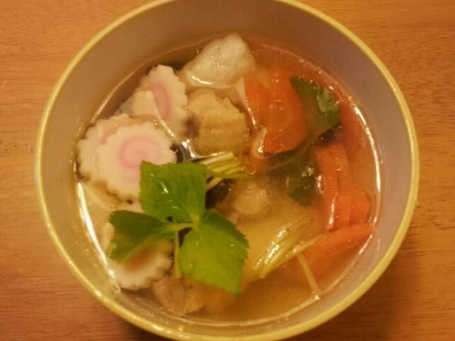 新潟出身の嫁が初めて関東のお雑煮を作りました。 - 9件のもぐもぐ - お雑煮 by takehide