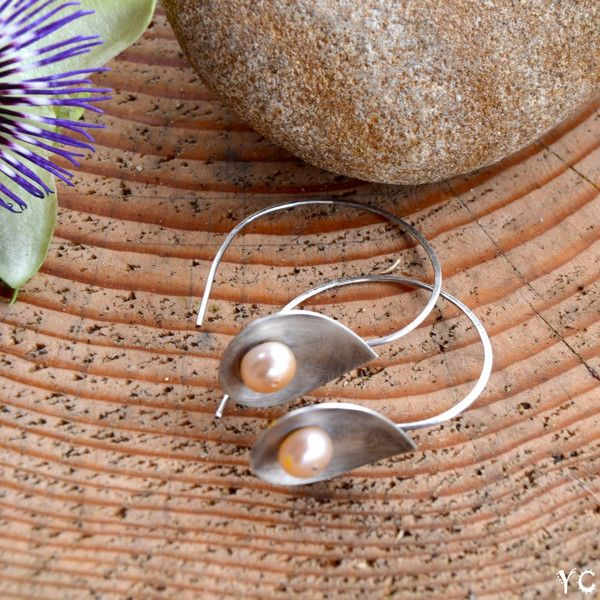 Srebrne kolczyki koła z pudrowymi perłami - YagnaCreations - Kolczyki koła