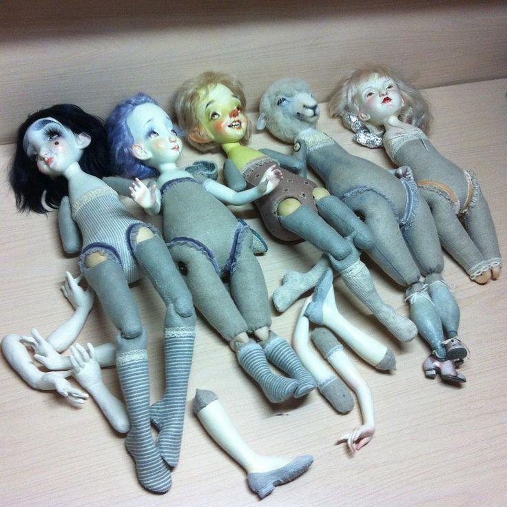 И всех нужно обуть и одеть! Я-мама Карло (не Карла, если кто понял)))#куклыксениимингалевой #artdoll #рабочийпроцесс