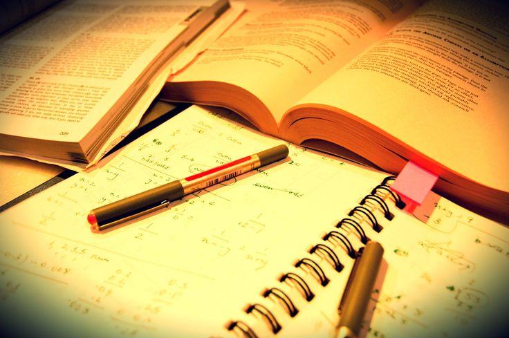 Encontros abordam, semanalmente, temas como administração, marketing e economia.