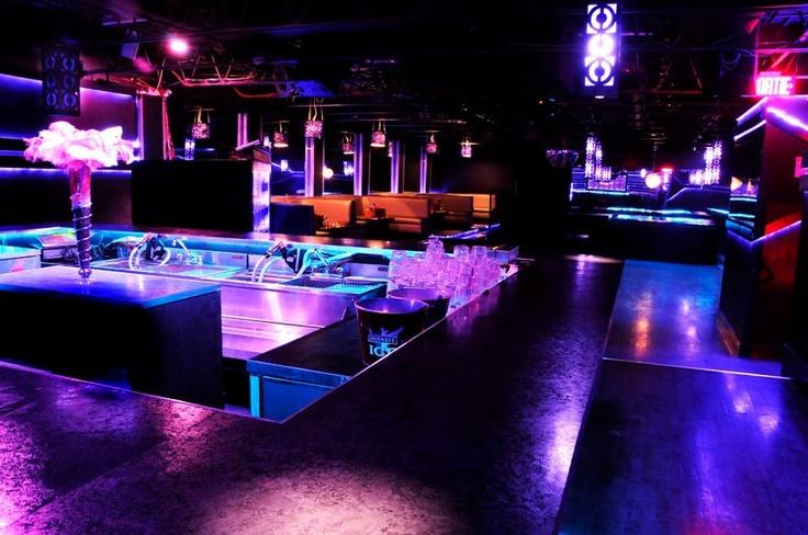 A la recherche d'un endroit branché pour passer une bonne soirée ce soir? Nos concierges vous suggèrent l'ambiance du Club Muzike!