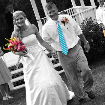 Very Fun Wedding Songs! Includes the popular Wedding March Remix. weddingmusicproject.com #weddingmarch #weddingexit #weddingexitmusic