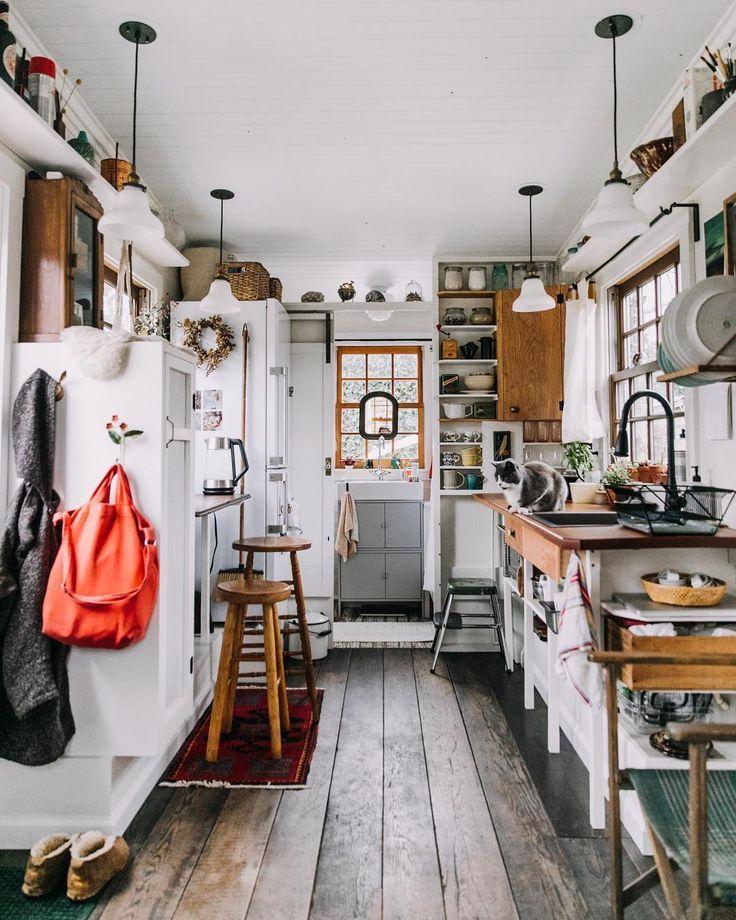 Es muss nicht immer aus einem  Guss sein! Der klassischen Einbauküche kann man … – WOHNKLAMOTTE | #DIY #WOHNEN #EINRICHTEN #INSPIRATION