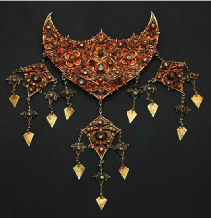 Indonesia ~ Aceh | Necklace pendant; gold | 18th - 19th century   |||  Source:  'Gold Jewellery of the Indonesian Archipelago', page 8