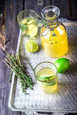 Cocktail: limoncello met gin en tijm