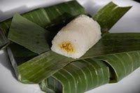 Indonesische Recepten: Lemper: een heerlijke Indonesische snack van kleefrijst met kip (met video)