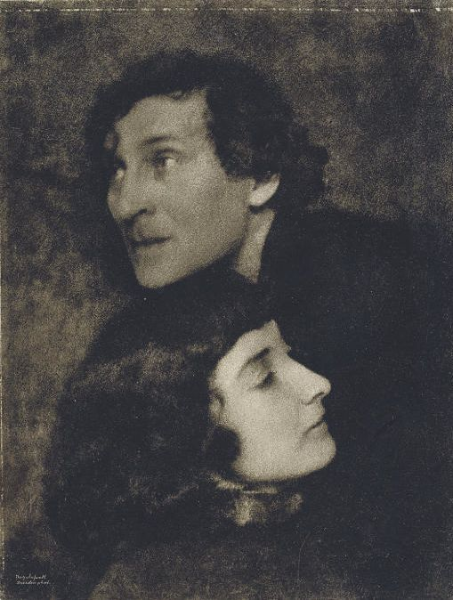 Marc and Bella Chagall, 1923, photo by Hugo Erfurth, bromoil print. The painter of love and his one and only