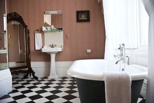 Suites @Middleton Park House