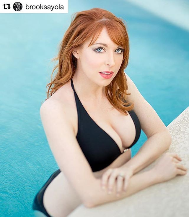 WEBSTA @ lisafoiles - 👙☀️#Repost @brooksayola with @repostapp・・・Who the hell is @lisafoiles ? So many shots I like from this shoot a few months ago. #lisafoiles Makeup/hair: @gila_oxford #redhead #readheads #ginger #bikini