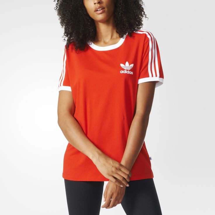 An '80s favourite is back. This easy-to-wear, relaxed-fit women's t-shirt features soft cotton single jersey with a ringer-style collar and sleeve bindings. With white 3-Stripes down the sleeves and a flocked Trefoil logo on the chest to complete this fun retro look.