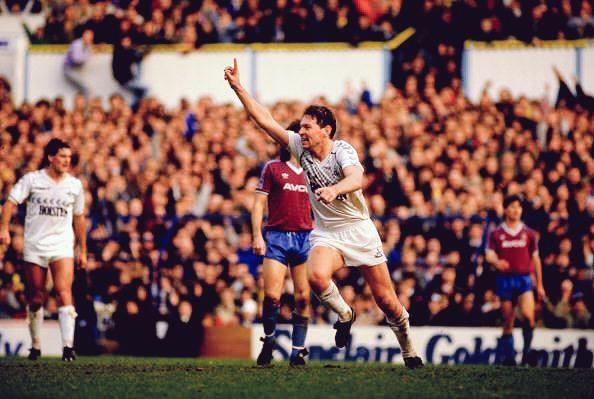 Clive Allen celebrates after scoring against West Ham 1987 #THFC