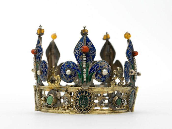 Funerary crown of Mary of Burgundy  Silver with gold inlay, pearls, enamel and coral  Late 15th century  Brotherhood of the Holy Blood, Bruges: Used Belgium, Jewelry Inspiration, Crowns Jewels, Royals Jewels, Diana Scarisbrick, Historical Jewelry, France 44, Funerari Crowns, Historical Crowns