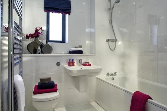 BATHROOM IDEAS - A Typical Taylor Wimpey Showhouse Bathroom