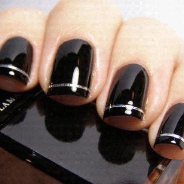 black nails with silver stripe