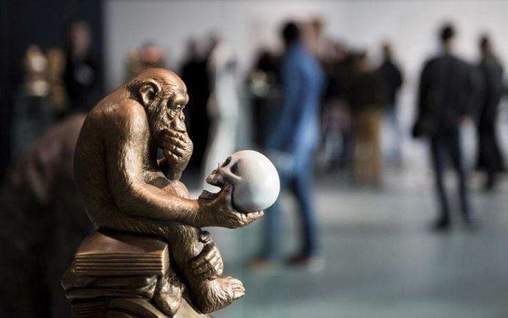 Im Haus der Kulturen der Welt geht es aber auch darum, wie wissenschaftlich gebildet die Primaten sind und damit der Menschheit nutzen.