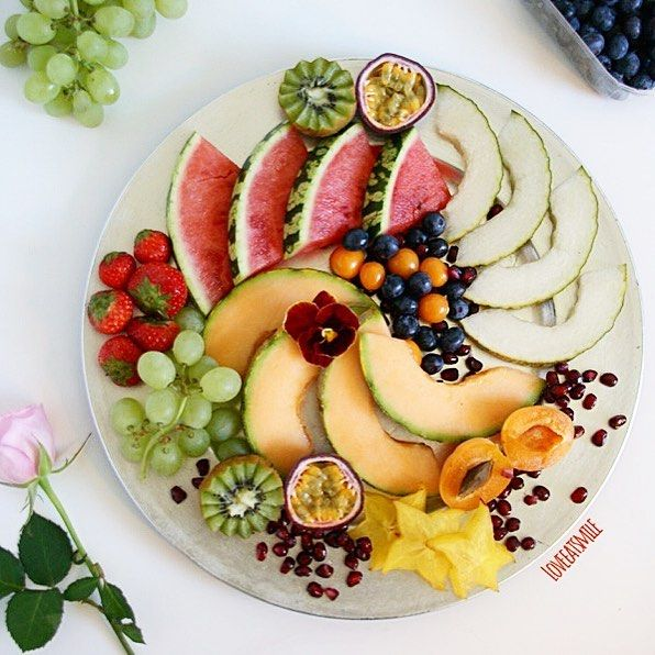 Start your day right with fresh fruits or other healthy noms!