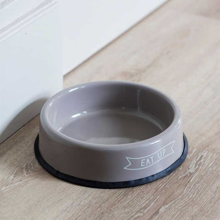 This large Eat Up round pet food bowl by Garden Trading has a non-slip base to prevent it from being pushed round the room by enthusiastic eaters.