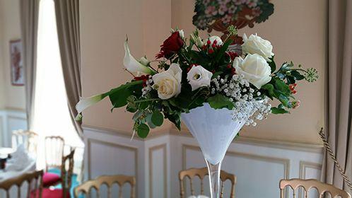 centre de table vase martini blanc et rouge d coration mariage th me montagne pinterest. Black Bedroom Furniture Sets. Home Design Ideas