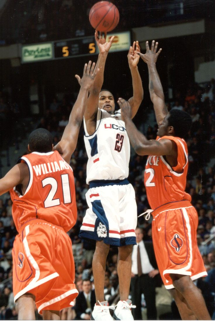 50 Greatest Players in UConn mens basketball history: 50 1
