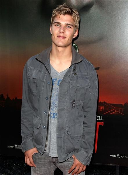 Chris Zylka should have selected a better agent/manager. I'm amazed he isn't a major star!
