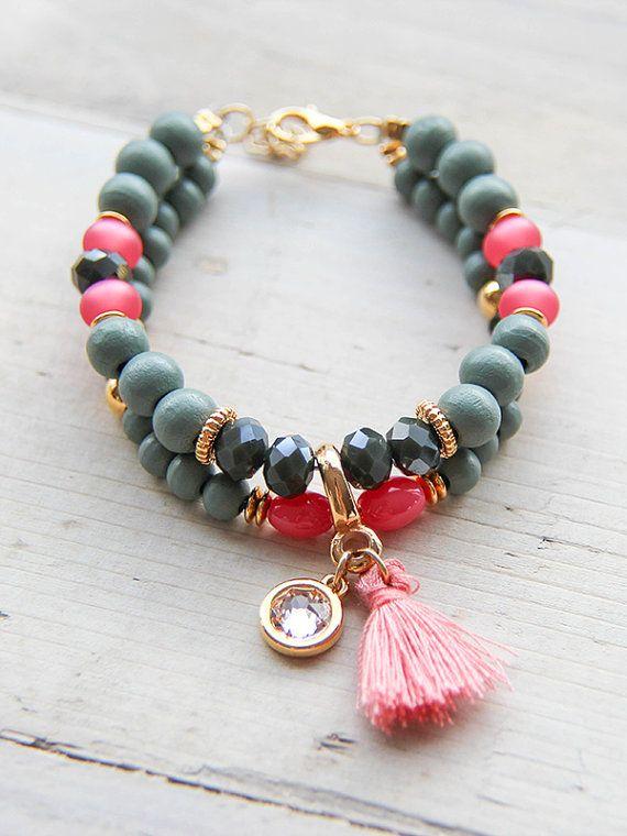 Prachtige dubbele kralen armband met bijpassende bedels! Shop deze nu op www.jewelrybylis.com
