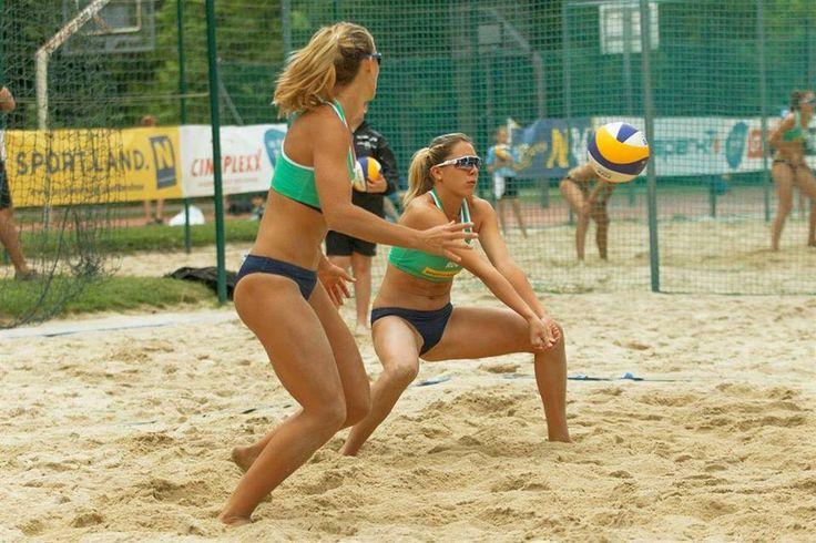 Volei feminin: România câștigă argintul la Turneul European de volei pe plajă U22