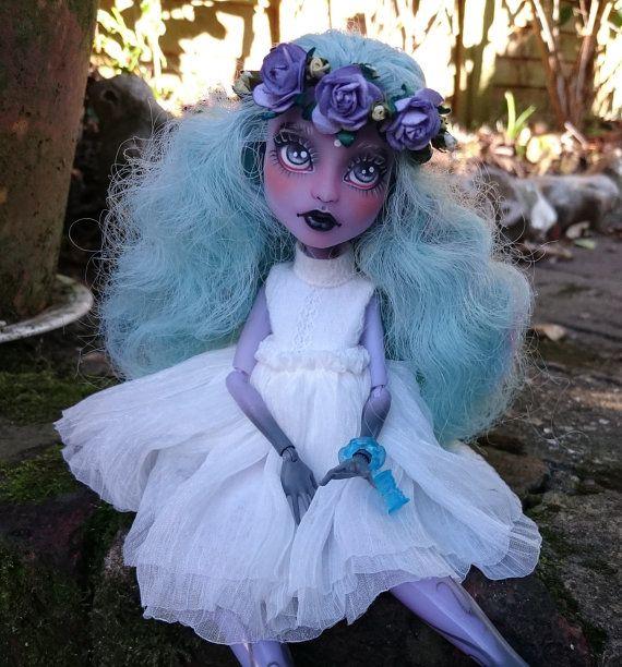 Monster High Repaint Twyla OOAK Puppe von milklegs auf Etsy