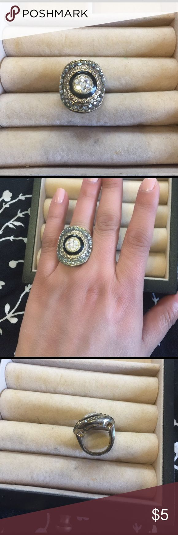 Statement ring Aldo statement ring .  Unsure of size . Might be 5 1/2 or 6 Aldo Jewelry Rings
