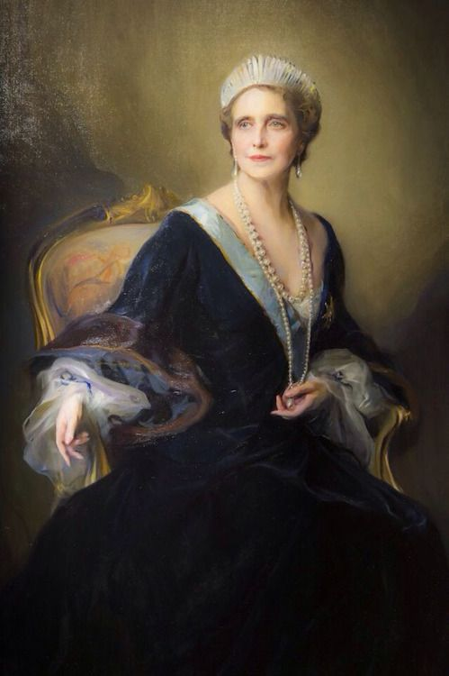 """shatovthings:  """"portrait of the Queen Marie of Romania, by painter Philip Laszlo"""" Source:habituallychic.luxury (via Pinterest)"""