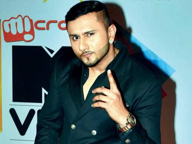 """From Big B to Yo Yo Honey Singh, Bollywood stars victim of celebrity death hoax - http://www.yoyohs.com/from-big-b-to-yo-yo-honey-singh-bollywood-stars-victim-of-celebrity-death-hoax/Celebrity death hoax is a concept not new to India anymore. Recent rumour about the death of Bollywood rapper Yo Yo Honey Singh in a car accident was dispelled by the singer himself, when he later posted on the micro -blogging website Twitter, """"News of YoYo's accident is a fake..."""