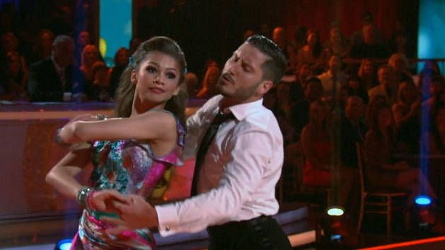 Zendaya and Val dancing the Foxtrot DWTS (Her face tho)