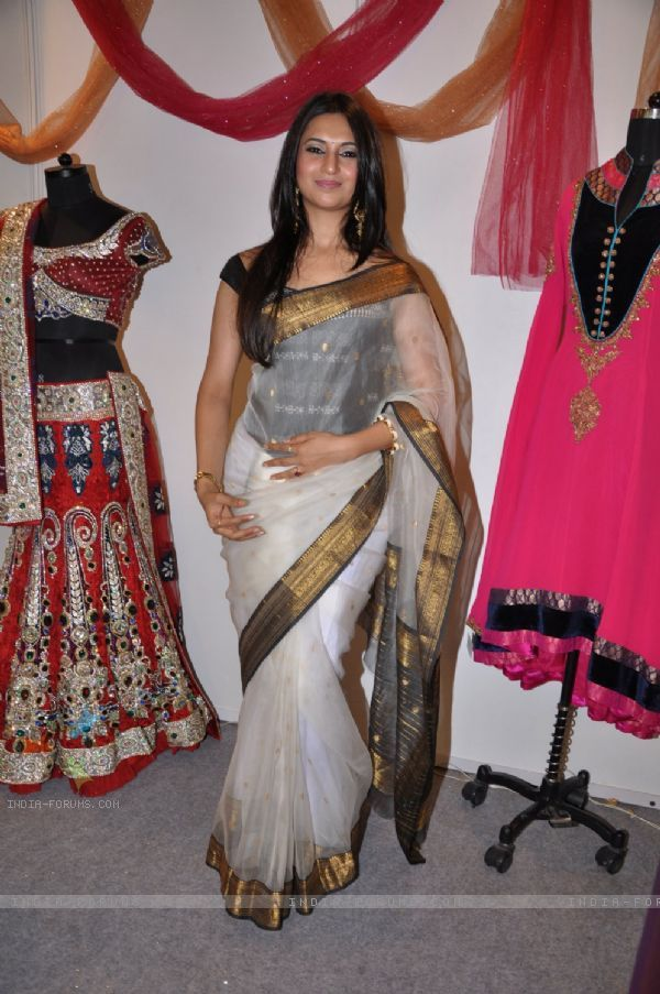 shagun saree in yeh hai mohabbatein - Google Search