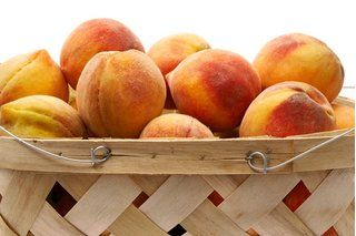 How to Keep Peaches From Ripening Too Fast (3 Steps)   eHow