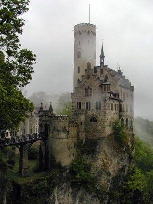Burg Lichtenstein  ( schwäbische Alb )