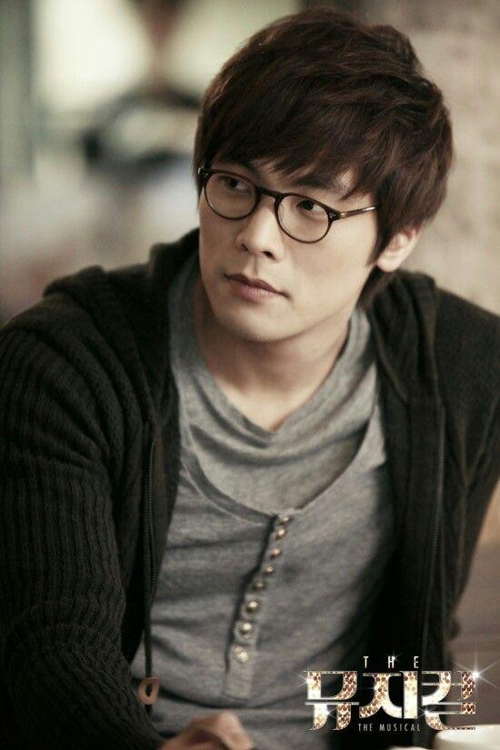 Daniel  Choi as  Hong Jae Yi