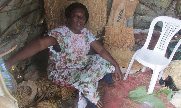 Cameroun: Une pygmée au Salon International du machinisme agricole de Yaoundé - http://www.camerpost.com/cameroun-une-pygmee-au-salon-internationale-du-machinisme-agricole-de-yaounde/?utm_source=PN&utm_medium=CAMER+POST&utm_campaign=SNAP%2Bfrom%2BCAMERPOST