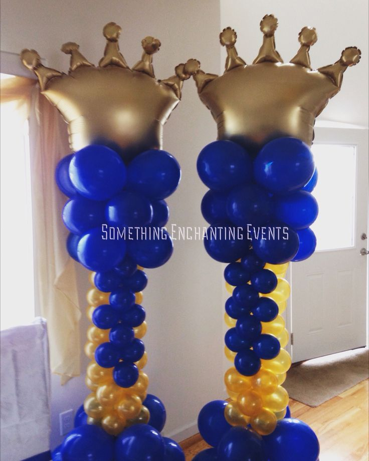 Gold and royal blue crown balloon columns crowns
