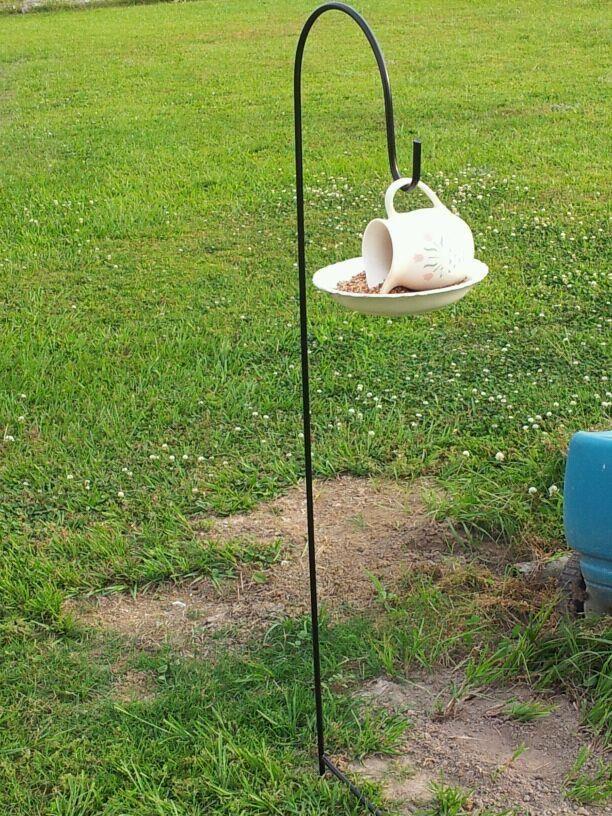 Best 25 teacup bird feeders ideas on pinterest unique - Bird feeder garden designs ...