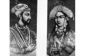Emperor Shah Jahan and his wife Mumtaz Mahal in a split ...