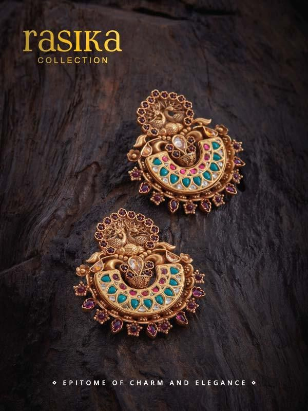 Shop Latest Collection Of Designer Fashion Jewellery Online at Kushal's. Buy from a wide range of Necklaces, Earrings, Bangles, Pendants, Tikkas, Payals & more.