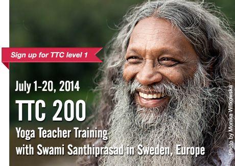 Yoga Teacher Training TTC 200 | con Swami Santhiprasad School of Santhi Yoga Teacher Training School in India e in Europa...