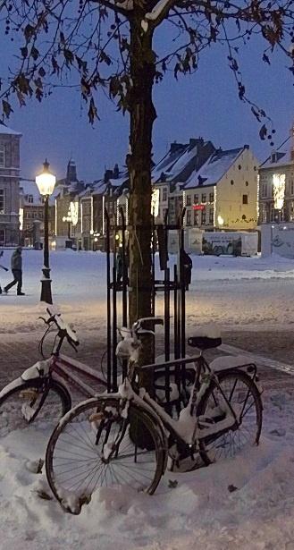 Maastricht Winter Wonderland: we hopen natuurlijk op dit landschap tijdens ons tripje Maastricht.... ben bang dat dit niet gaat lukken (november 2014; temperaturen kunnen oplopen tot 15 graden??? Volgens het weerbericht.)...  : ( ! Hoe dan ook... een heerlijke stad!!!