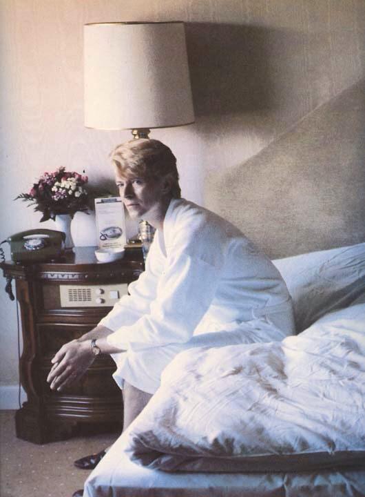 376 best David Bowie images on Pinterest | David jones, David bowie ...
