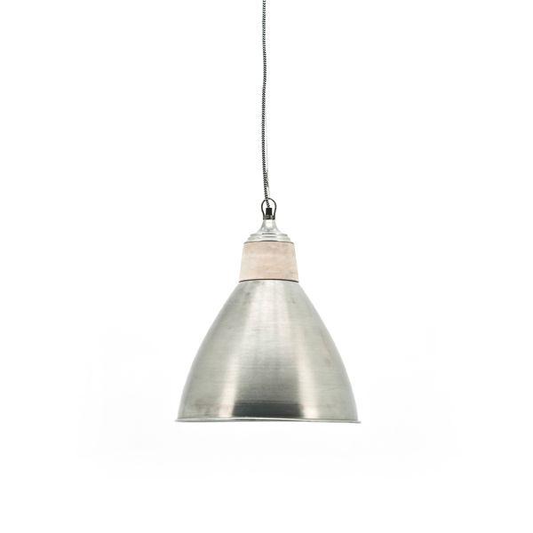 By-Boo Lamp Grace 2128 Metaal / Hout Moderne maar toch stoere hangende lamp van het merk By-Boo. Ook leuk met meerdere lampen boven een eettafel.