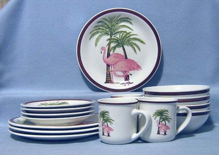 ...Flamingos.     And Palm trees!!