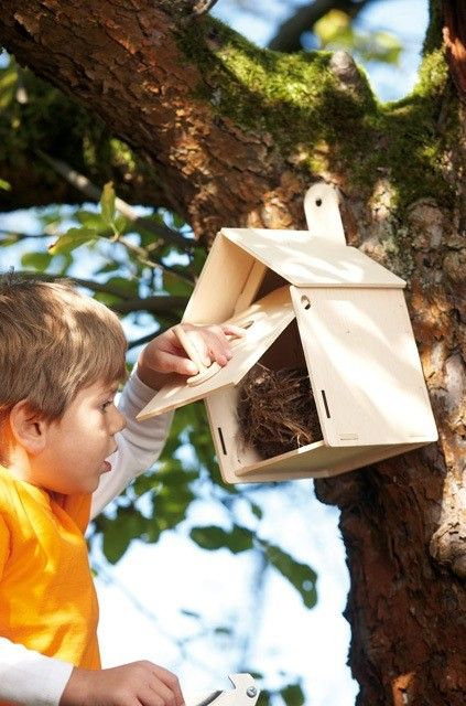 Claire's favourite thing recently was finding a nest with eggs!!  This Nesting Box Construction Kit from Haba's Terra Kids range is fantastic for little creatives who are fascinated by nature. The door can even be opened and closed for easy bird watching action and cleaning! #birds #outdoortoys #outdoorfun #haba #entropywishlist #pintowin
