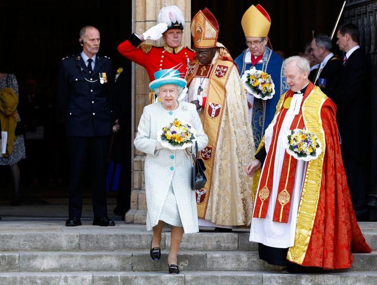 Kết quả hình ảnh cho traditional clothes in britain