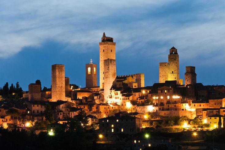 Day-trips in Tuscany #1 – San Gimignano, Colle & Volterra  Post by Simon of patrignone.com   #vacationtuscany  #familyholidaytuscany  #holidaysinTuscany  #tuscanyvacation #tuscanyvacationrental #tuscanyvillarental #wheretostayinTuscany #chiantivillarental