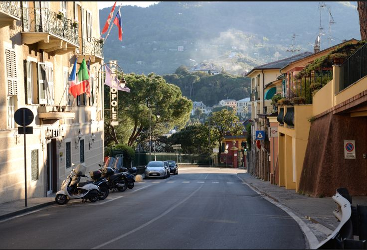 #SantaMargheritaLigure is a popular summer destination among North Italians for the vacations, but during the other seasons is nearly deserted.