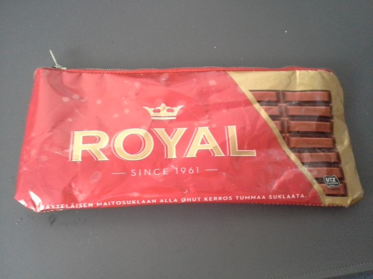 Penaali suklaalevykääreestä / Little bag from chocolate wrapper